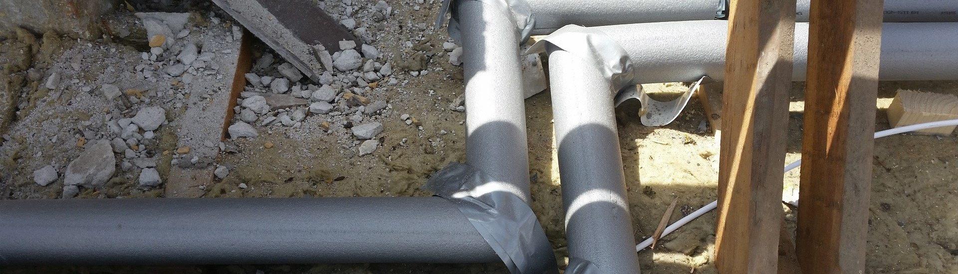 Dårligt isoleret vandrør på lofter
