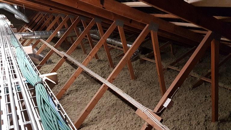 efterisolering af loft med Rockwool granulat